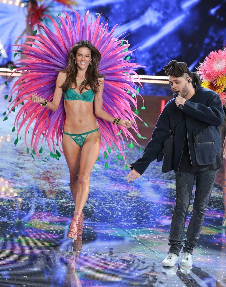 Alessandra Ambrosio – 2015 Victoria's Secret Fashion Show in NYC