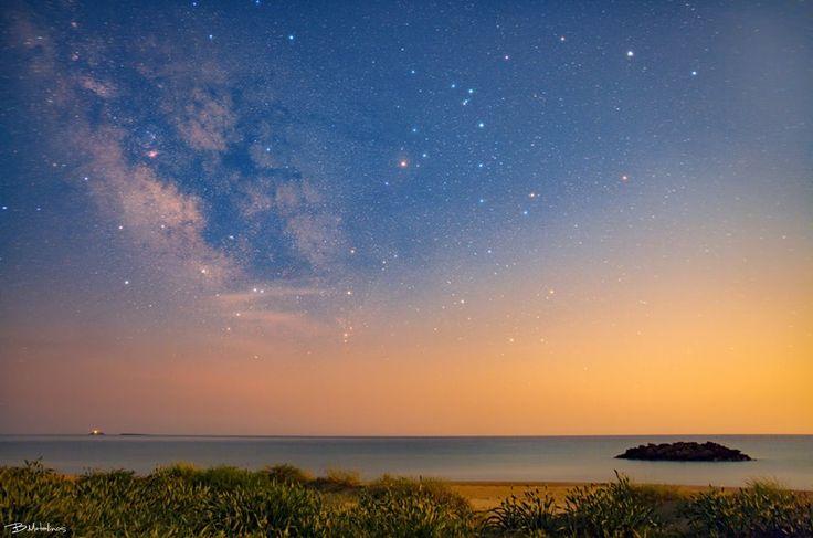 The Milky Way Galaxy above Chalikounas beach, Corfu. Photo by: Bill Metallinos. #GreenCorfu - greencorfu.com - https://pinterest.com/greencorfu/