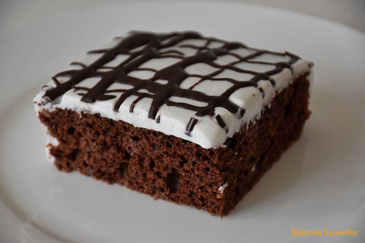 Rafine şekersiz bir ağlayan pasta ancak bu kadar lezzetli olabilir bence :) Aslında önce malzemesi az, çok basit bir kek yapmak istemiştim. Daha sonra fikir gelişti ve ortaya bu harika pasta çıktı.…