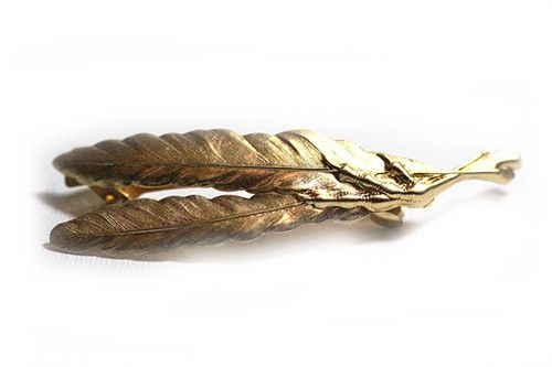 double feather claw hair clip.