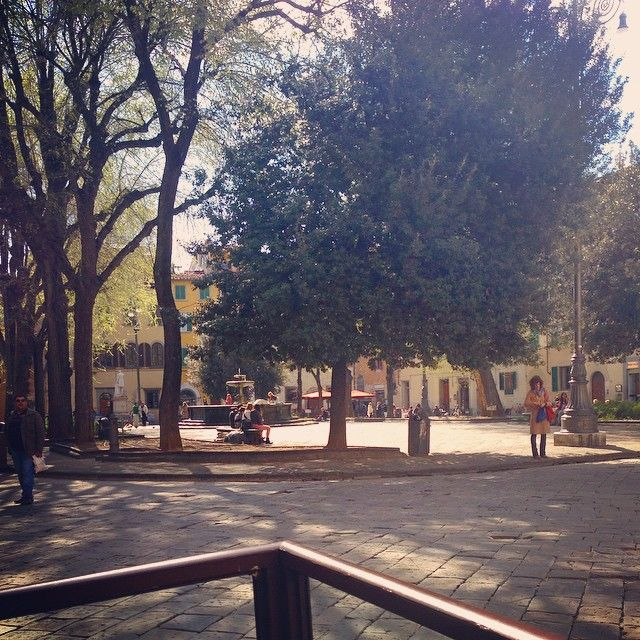 One of our favorite spots for brainstorming, gathering inspiration, and hatching new ideas for CPiF. Piazza Santo Spirito! So lovely! #brainstorming #inspiration #wip #newideas #wherecreativityhappens #spring2015 #futureplans