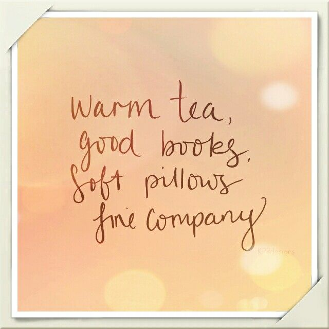 Tea, books, pillows & company ❤