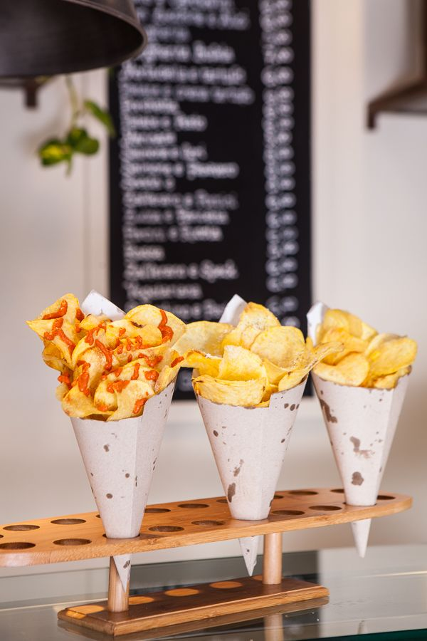Le nostre chips: classiche, cacio e pepe o con salsa al jalapeno! www.streatart.it  Roma -  Fritti gourmet - food - streetfood - pizza ad alta digeribilità