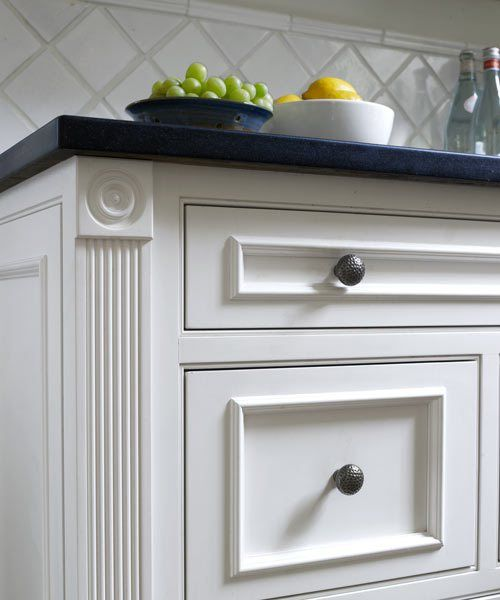 The 25 Best Kitchen Cabinet Molding Ideas On Pinterest: Best 25+ Fluted Columns Ideas That You Will Like On