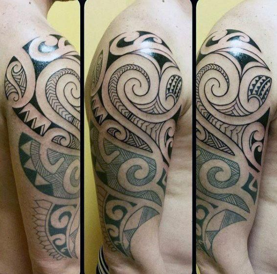 Man With Half Sleeve Of Maori Tattoo Design #Polynesiantattoos –  – #smalltattoos