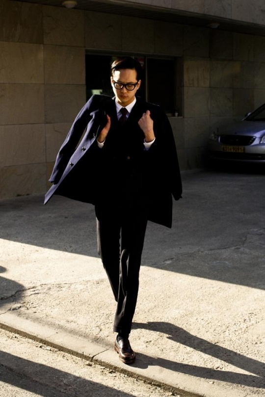 black coat and suit style, street fashion blog. seoul.thespot