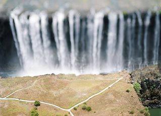 Water fall (Olivo Barbieri)