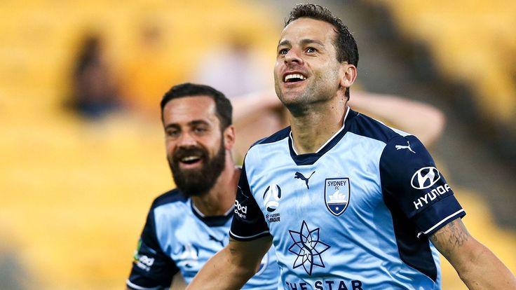 Wellington Phoenix 1-4 Sydney FC: Bobo scores hatrick