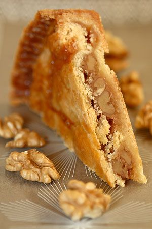 Wonderful walnut caramel pie - A big family favorite and well traveled recipe