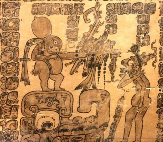Estudiantes descifran textos jeroglíficos mayas