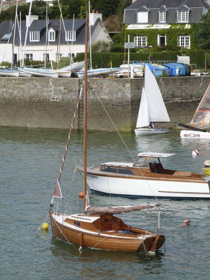 Au port, un Loctudy et d'autres bateaux en bois