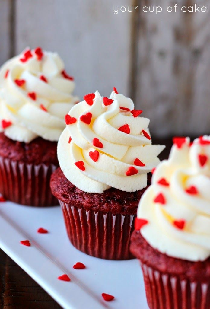 Red Velvet Cupcakes with White Chocolate Mousse | The Best Healthy Recipes