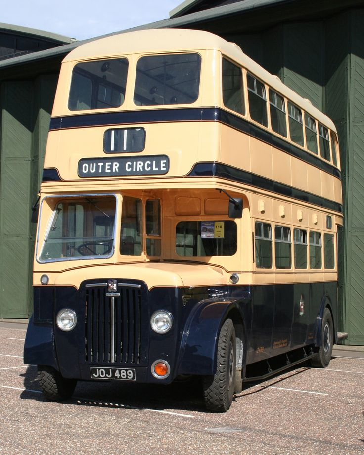 Image from http://upload.wikimedia.org/wikipedia/commons/b/b6/Birmingham_City_Transport_bus_2489_(JOJ_489),_Showbus_2007.jpg.