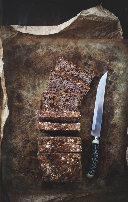 Fullkornsrostbröd med fikon och valnötter | Det gröna skafferiet