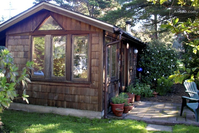 Clara's Cottage in Fort Bragg from $85 per night