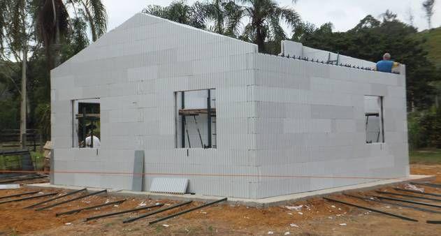 Casas montadas como Legos Isopor, PVC, madeira e aço levam rapidez, inovação e sustentabilidade à construção