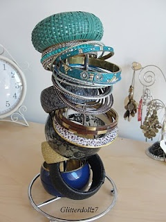 Stack your bangles on a paper towell holder, great idea!!
