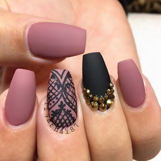 Eu amo essas unhas com verniz matte