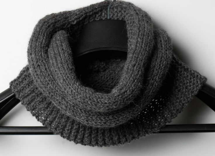 Cast on 30 RS: knit all WS: knit 15, purl 15 Repeat until you run out of yarn or until you reach the desired scarf/cowl length. Mine is 42 inches long, just enough to wrap around my neck twice, and yet not too long with only one wrap. Bind off. Connect both ends with a needle or a crochet hook.