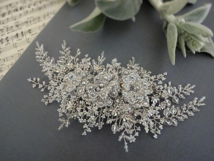 Allasille handmadebridalhair comb #weddingheadpiece #weddingaccessories #wedding #bridalheadpiece #bridalaccessories #bridalhaircomb #jewellery #jewelry #weddingjewelry #bridalhair #tohopearl #beading #latviandesign #latviandesigner #beading #beadingjewelry #silvertonejewelry #vintagebride #vintagewedding #toho #czechbeads #flowercomb #flowerjewellery #flowerjewelry #handmadejewelry #haircomb #weddinginspiration