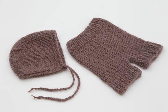 Newborn knitted set  Newborn knitted short pants and bonnet