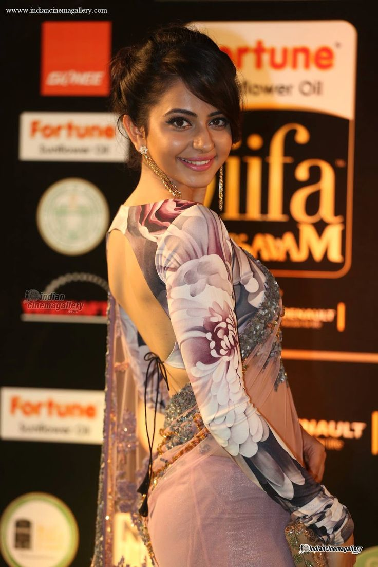 Rakul preet singh Hot at IIFA Awards 2016
