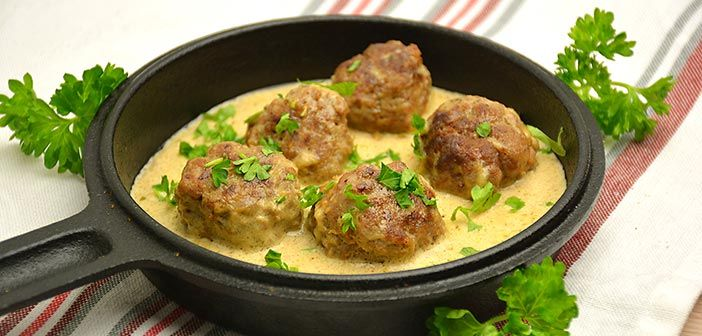 Tällä reseptillä syntyy ne täydelliset lihapullat sekä kastike, joiden seurassa muistot ajautuvat aina mummolaan asti.