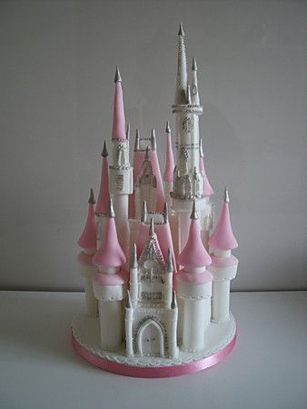 The 25+ best Disney castle cake ideas on Pinterest ...