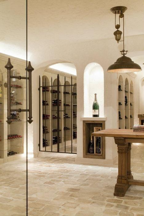 Burgundian Cross - Rustic building - Achievements - Wine Cellar