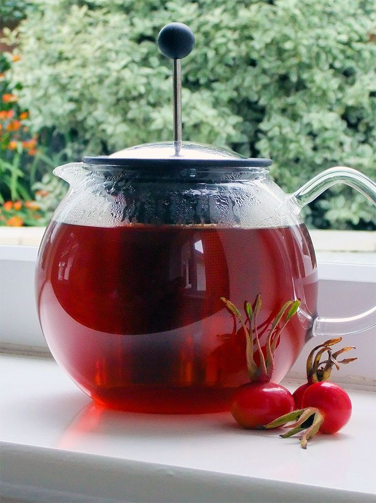 How to forage and prepare Rose-hips for making homemade tea. The flavor is rich and fruity and it's also packed with Vitamin C!