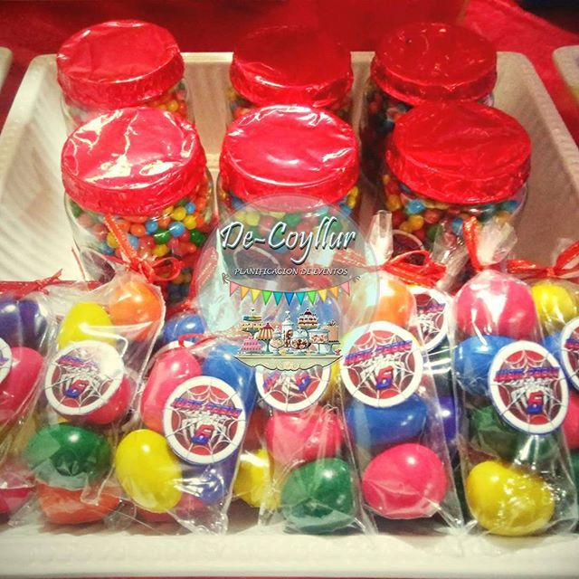 #Huevitos @decoyllur #partyspiderman #spiderman #rojo #candys #candybar