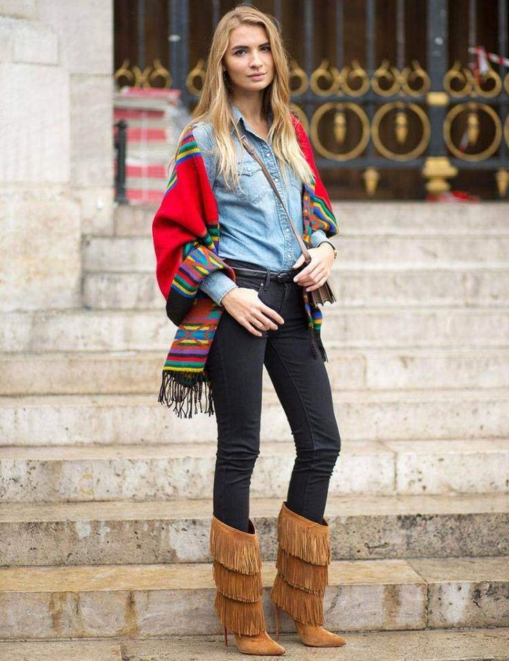 poncho-femme-ethno-pantalon-slim-bottines-franges-camel