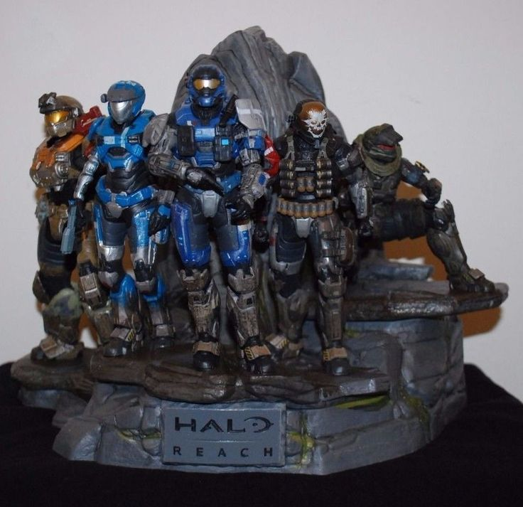 Halo Reach Legendary Edition Display Statue Figures Microsoft Xbox 360  2010