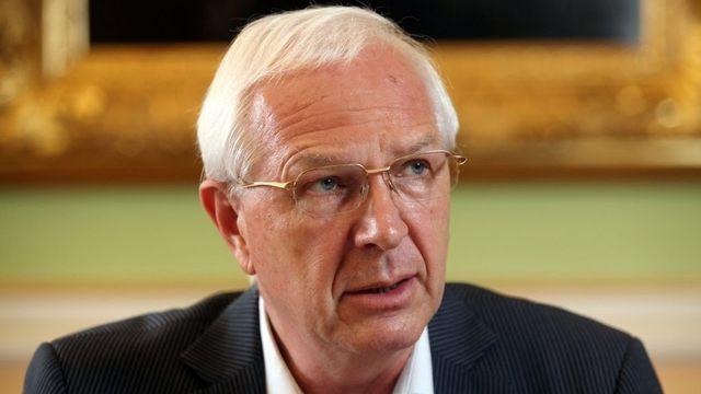 Jiří Drahoš je popřením tvrzení, že úspěšní a zajímaví lidé o politiku nestojí.