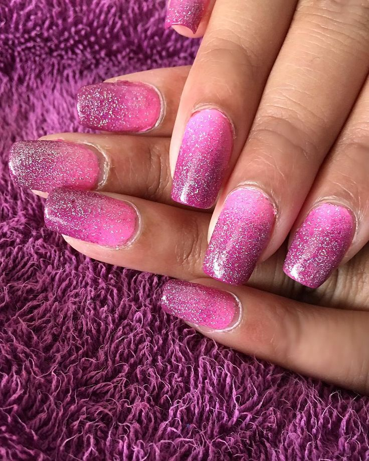 Another gradient with a holographic topcoat  Polishes: Flowerista by essie Bottoms up by China Glaze  Fairy dust by China Glaze   #nails #nail #fashion #style #instadaily #instalike #spring #gradientnails #instagood #notd #girl #girls #stylish #sparkles #styles #glitter #nailart #art #opi #photooftheday #essie #pink #rosa #love #shiny #polish #nailpolish #negle by nailpolishhsp
