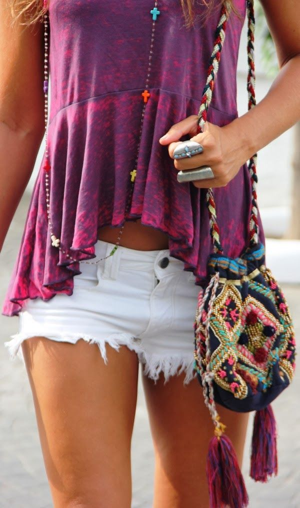 Lovely street combination t-shirt and white mini short