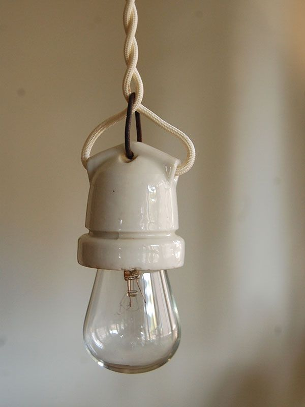 ftg - vintage porcelain socket light
