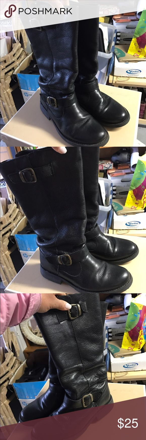 Steve Madden Black Boots Worn very few times. Black everyday leather boots. Very comfortable. Steve Madden Shoes Over the Knee Boots