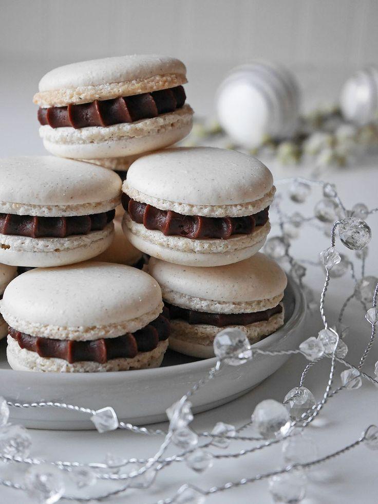 Macarons med kardemumma, choklad och kanel | Brinken bakar