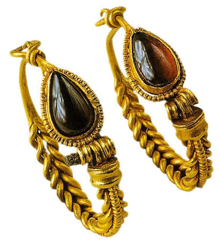 Earrings, Greece, 1st century