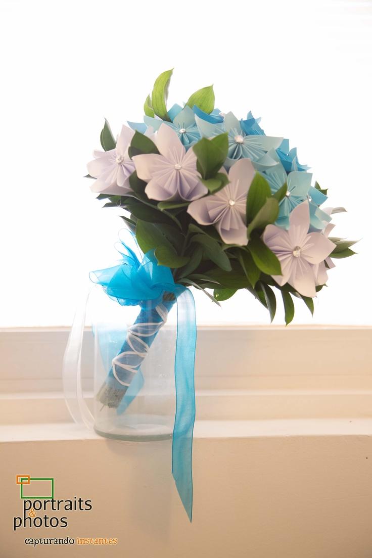 El ramo de la novia con flores de papel y cristales - Papel para cristales ...