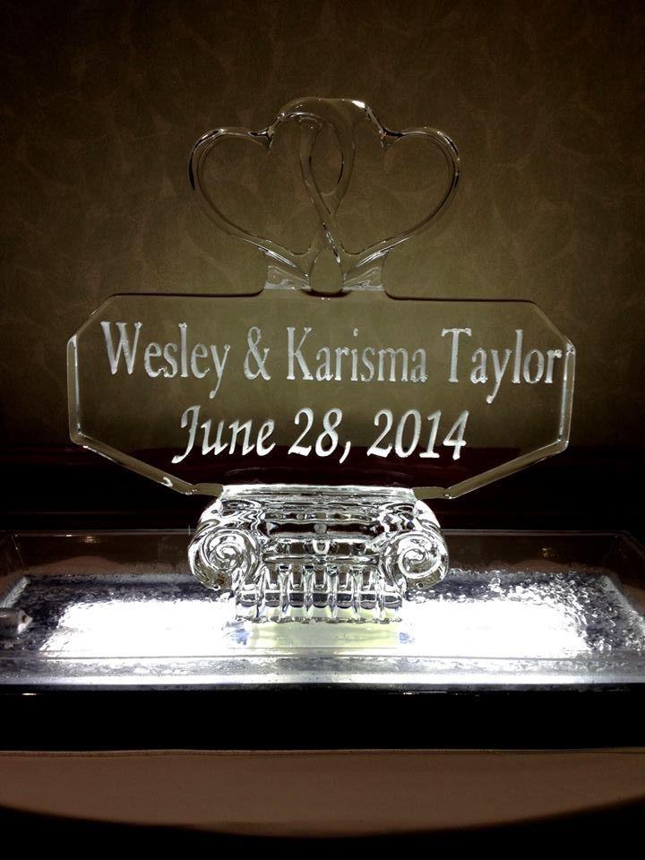 Three piece ice sculpture for a wedding reception. (After) #icesculptures #weddingice #weddingdecor