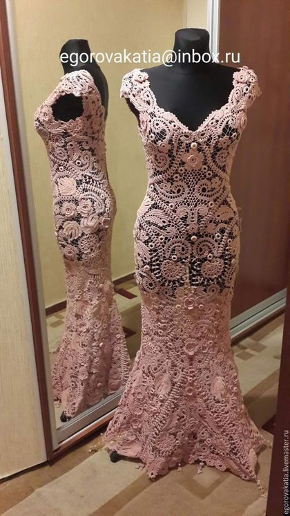 Купить или заказать платье в пол  'Rose Quartz'- из коллекции 'французские кружева' в интернет-магазине на Ярмарке Мастеров. Платье из коллекции 'французские кружева' Очень красивое платье, вязано крючком из тонкой пряжи цвета пудры! Ирландское кружево полностью ручной работы, игольные бриды, сборка без швов. Выполненное из натуральных материалов, созданное тончайшим крючком и собранное иголкой вручную на манекене, без швов, с идеальной посадкой по фигуре!