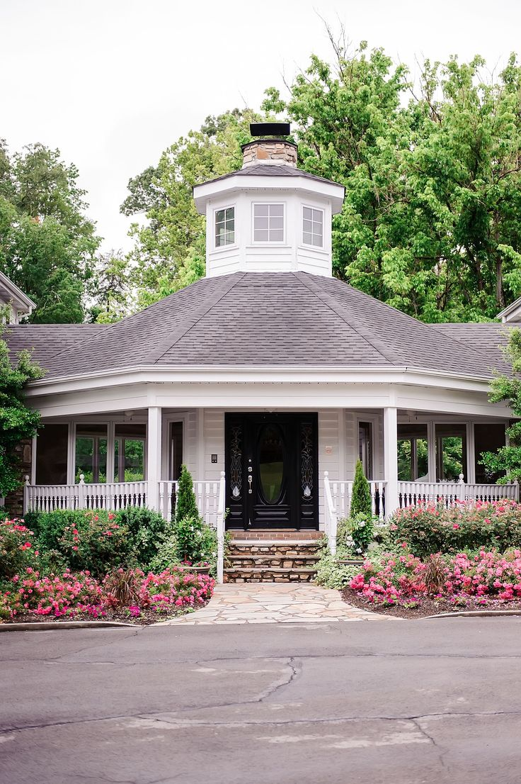 wedding locations in southern californiinexpensive%0A Gorgeous Garden wedding venue in East Tennessee  Garden Romance with Tracy  Shoopman Photography