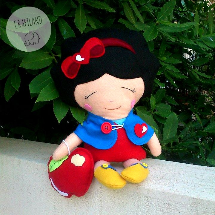 Snow White felt doll!! http://craftlandgr.blogspot.gr/2015/06/once-upon-time-snowwhite-doll.html  made from an oridinal dolls and daydreams pattern https://www.etsy.com/listing/115413630/snow-white-sewing-pattern-pdf-princess?ref=shop_home_active_5