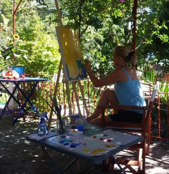 Painting workshop at the veranda of the Metaxart studio