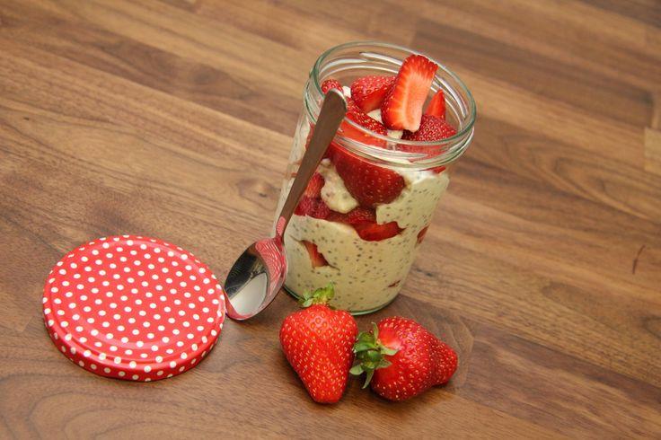 Reggeli gyümölcsös chiajoghurt recept