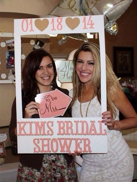 Shower Party Photo booth idea