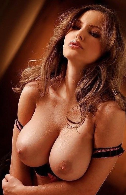 Sexy chicks tits