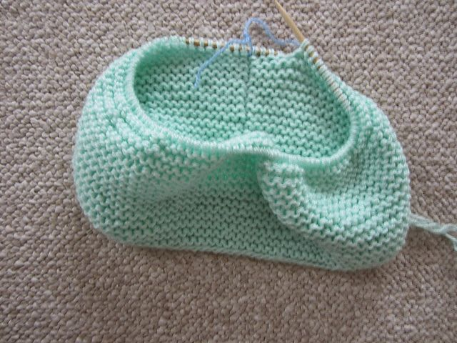 wiseknits: Free Pattern: Mint Circle Scarf Nice knitting Pinterest Circ...